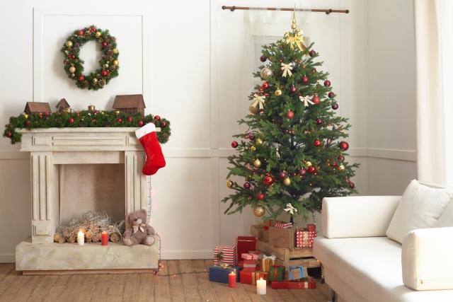 狭い部屋でツリー諦めていませんでしたか?タペストリー・クリスマスツリーが話題沸騰中な件。