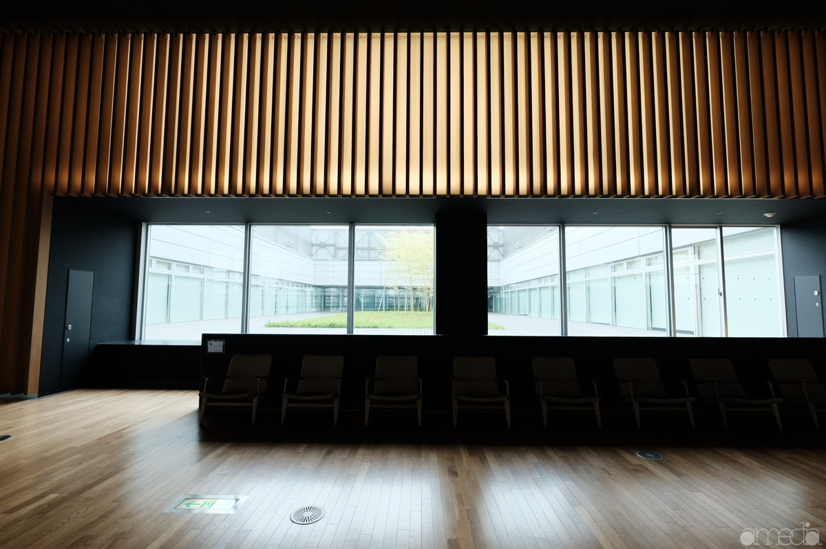 新国立美術館3F中庭